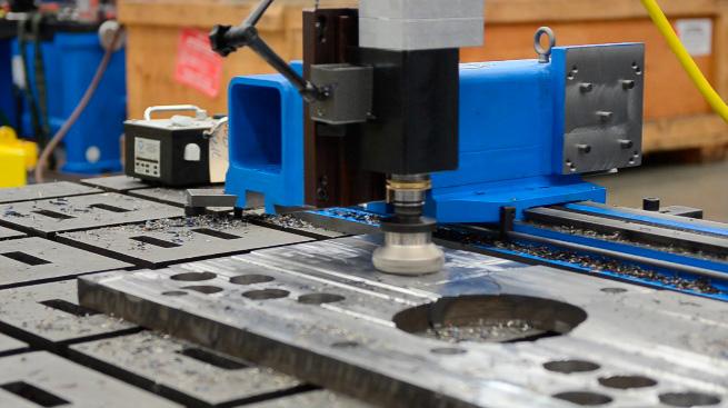 Fresadora Linear PM4200_Side-View1 - equipamentos portáteis de usinagem